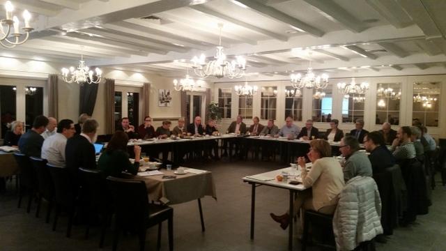 Gezamenlijk overleg burgemeesters - ocmw voorzitters Westhoek op 16/12/2016, De Kroon, Esen.