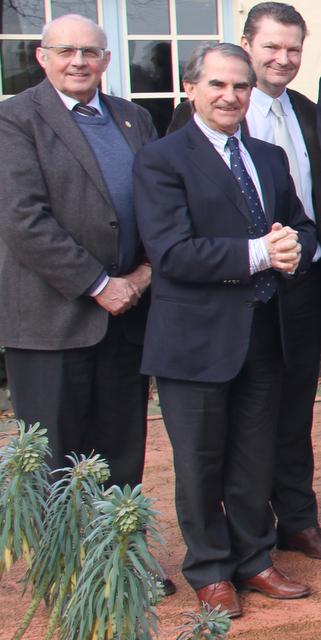 Burgemeestersoverleg 27 jan. 2011, v.l.n.r. Dirk Cardoen (Zonnebeke), Roland Crabbe (Nieuwpoort) en Joris Hindryckx (Houthulst).