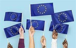 europa met vlaggen